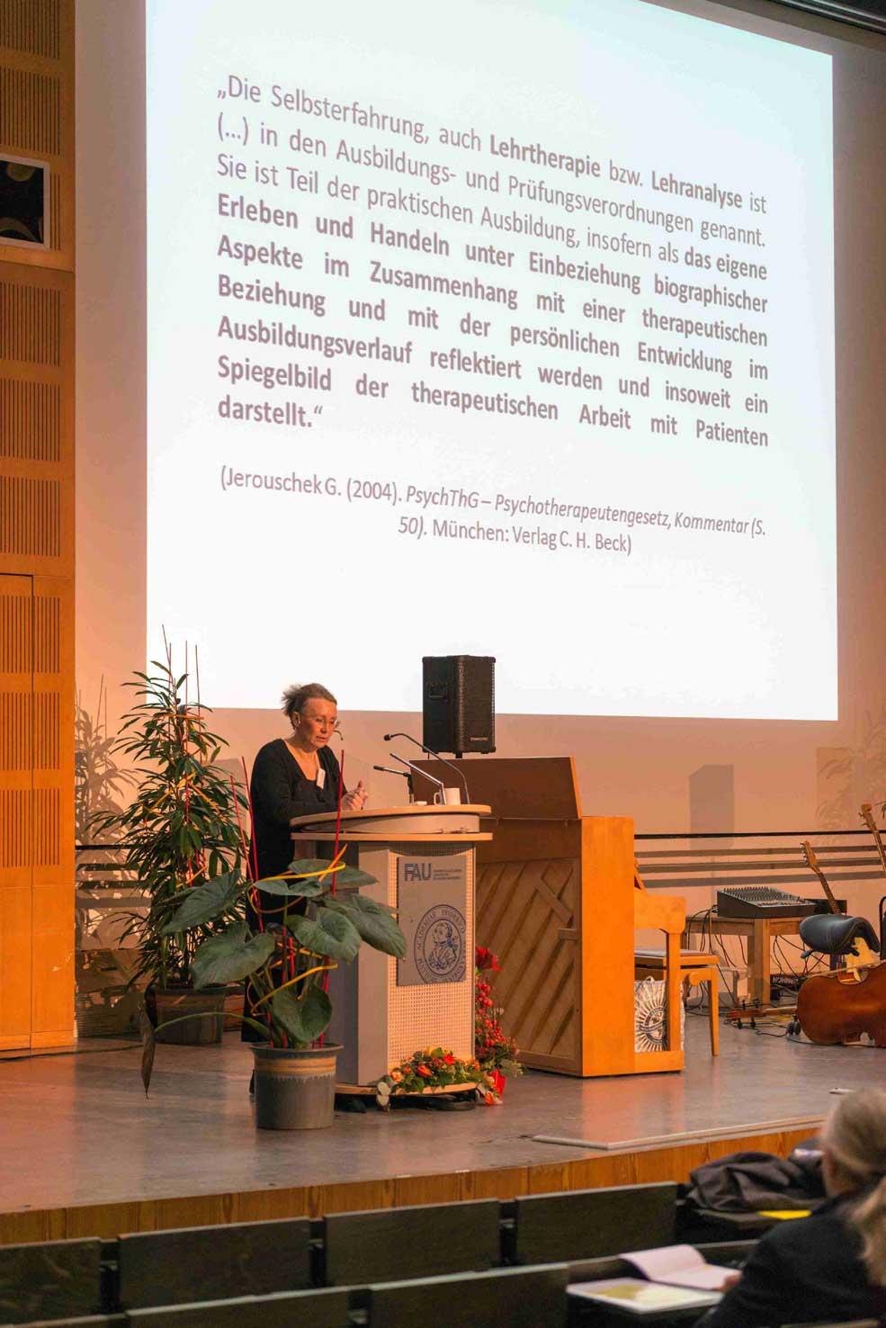 Dr. med. Sandra Poppek